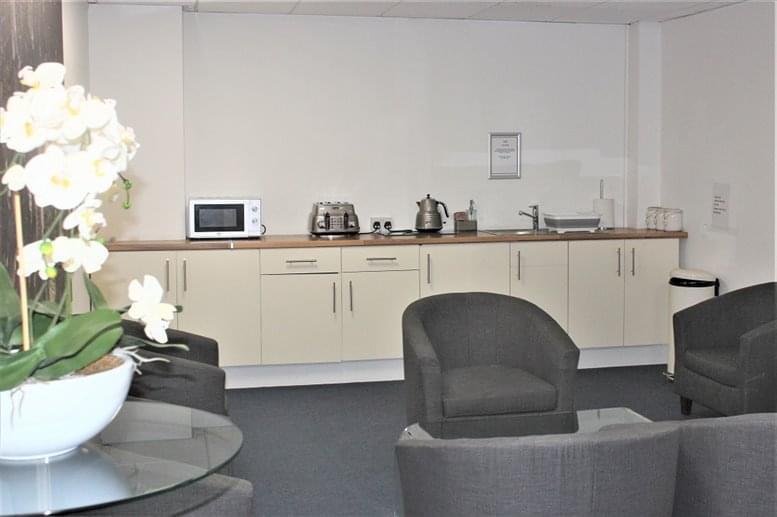 Image of Offices available in Hayes: Uxbridge House, 460-466 Uxbridge Road