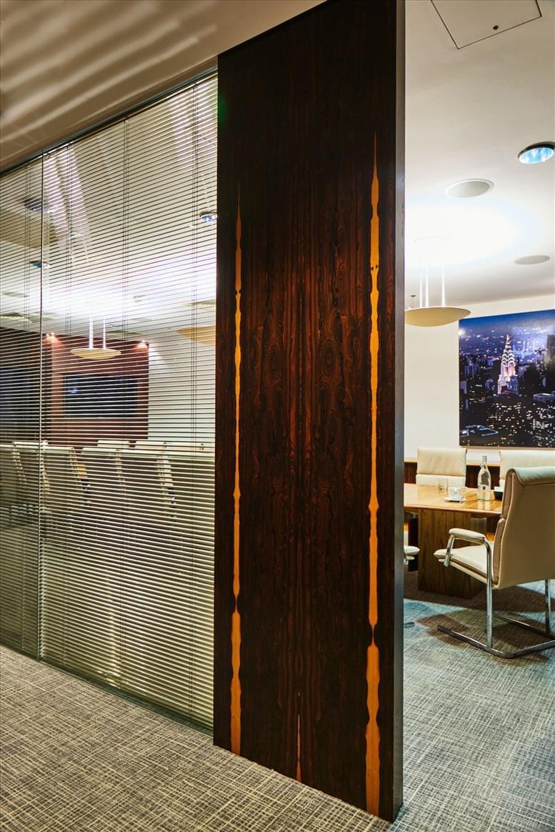 St Pauls Office Space for Rent on 6 Snow Hill, Farringdon