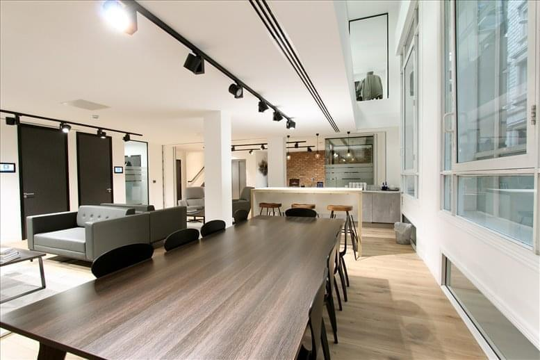 Office for Rent on 32 Threadneedle Street, City of London Bank