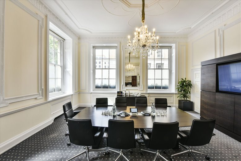 Photo of Office Space on 33 St James's Square, West End St James's Park