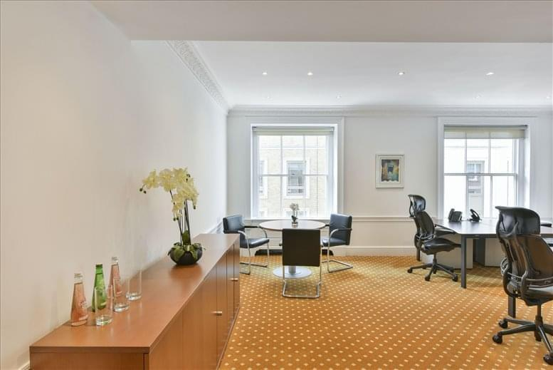 St James's Park Office Space for Rent on 33 St James's Square, West End