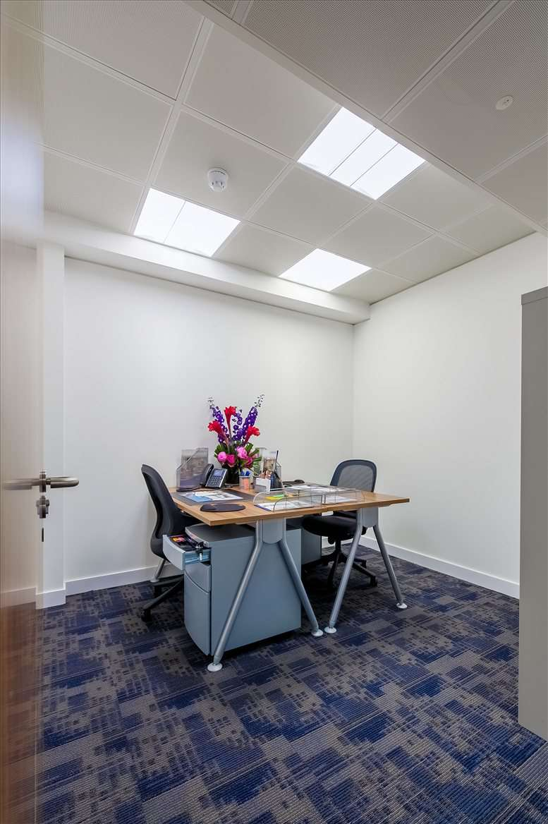 Rent Mayfair Office Space on 25 North Row