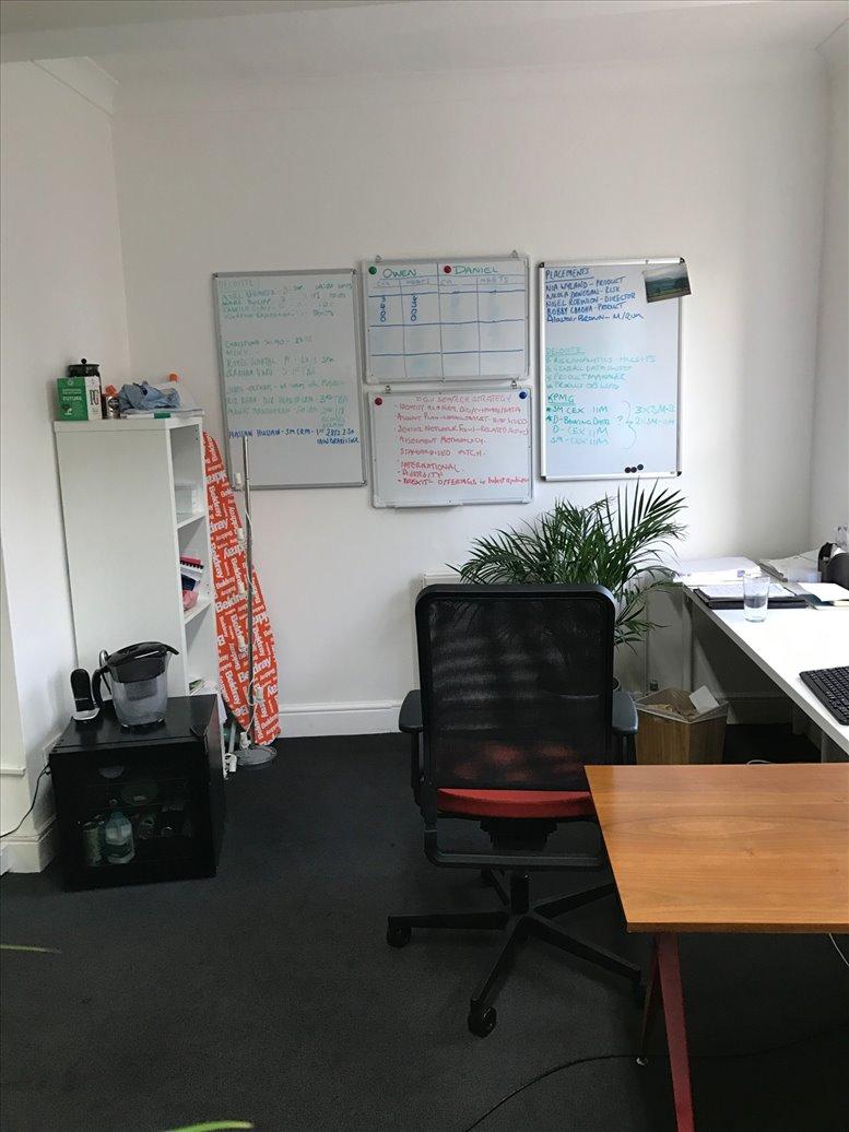 Rent Farringdon Office Space on 112 Clerkenwell Road, London