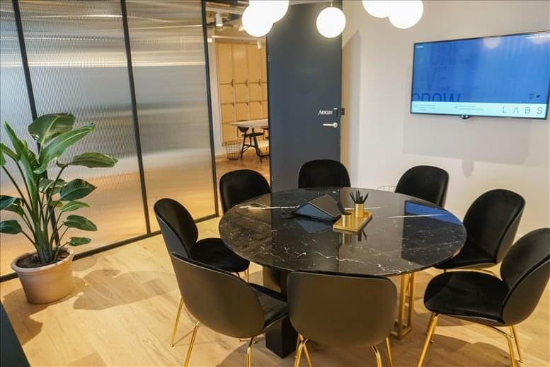 Rent High Holborn Office Space on 15-19 Bloomsbury Way, Holborn