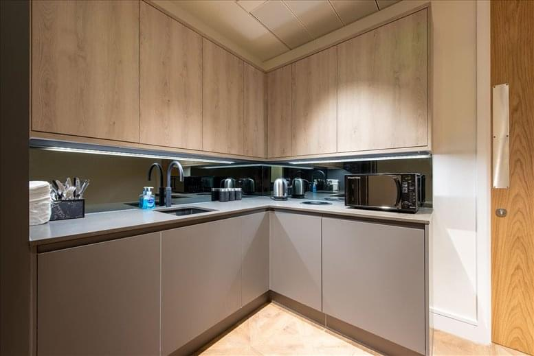 Image of Offices available in St James's Park: 70 Pall Mall