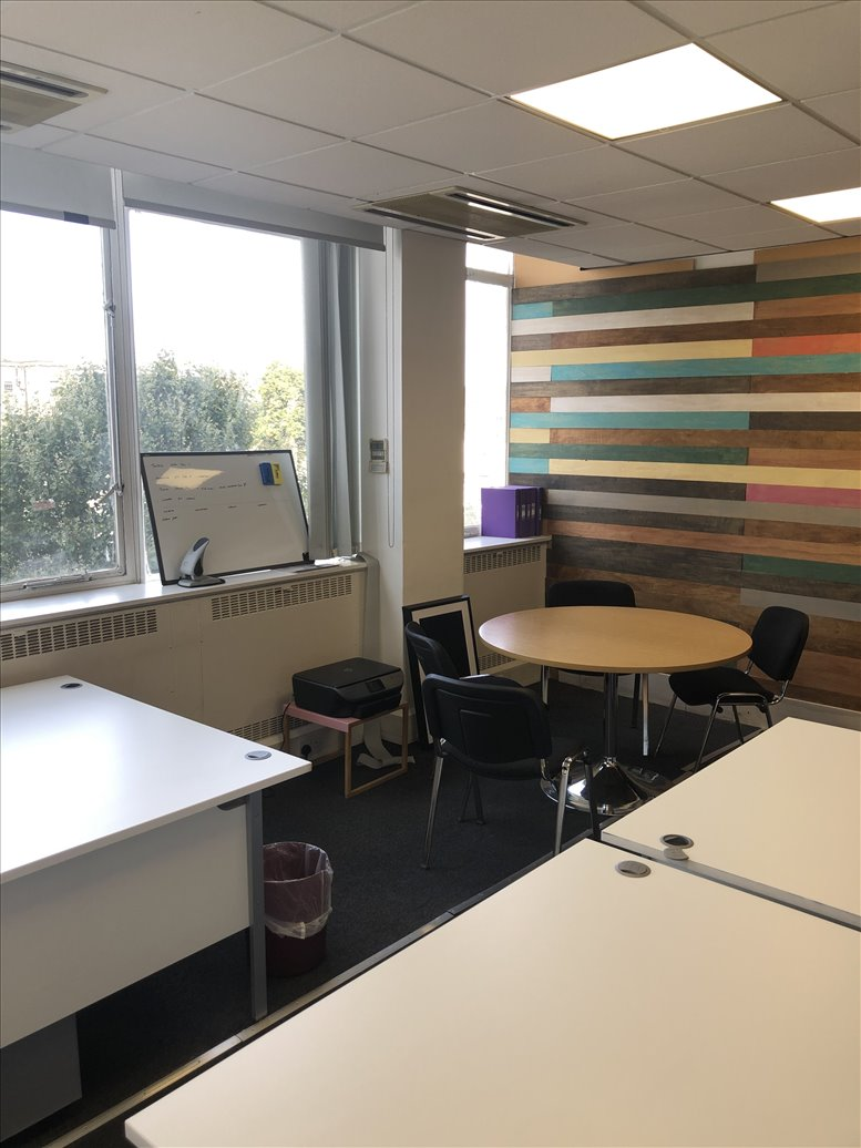 43-45 Notting Hill Gate, West London Office for Rent Notting Hill