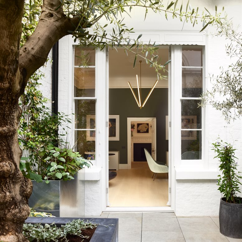 Photo of Office Space on 17 Portland Place, Marylebone Cavendish Square