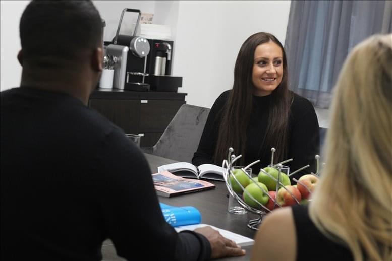 Office for Rent on 1 Royal Exchange Avenue, City of London Bank