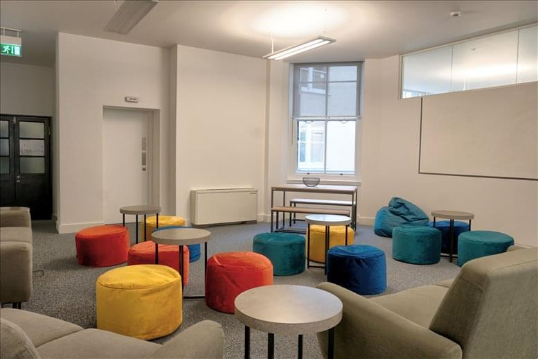 Image of Offices available in Moorgate: London Wall