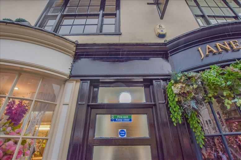 27 A Fore St available for companies in Loughton