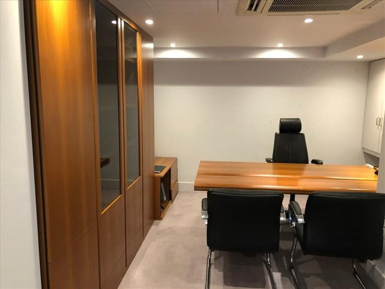 Office for Rent on 51 Parkgate Road Chelsea