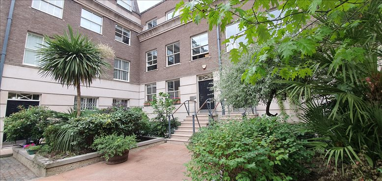 8 Coldbath Square available for companies in Finsbury