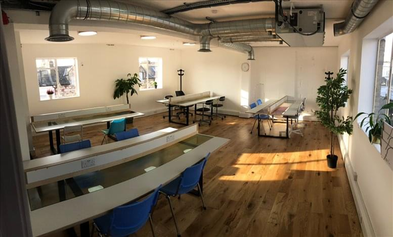 14 Windermere Road, 2nd Floor available for companies in Holloway
