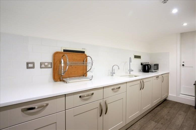 Image of Offices available in High Holborn: 44 Russell Square